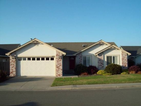 1455 Stallion Ct, Mckinleyville, CA 95519