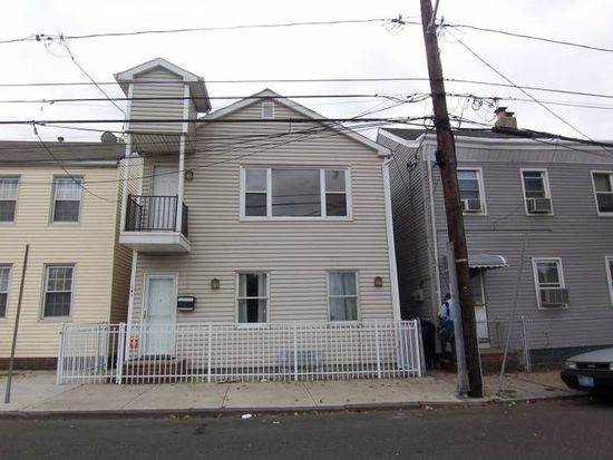 141 Laidlaw Ave, Jersey City, NJ 07306
