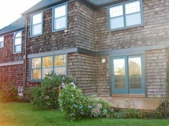 7 Gardencourt Dr, Narragansett, RI 02882
