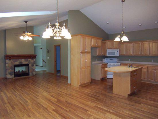 13219 Cedar Creek Dr, Middlebury, IN 46540