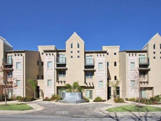 215 Annie St # D, Olmos Park, TX 78212