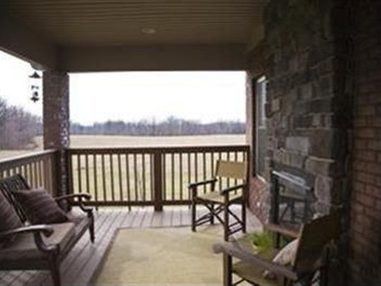 9300 Clyde Ct, Floyds Knobs, IN 47119