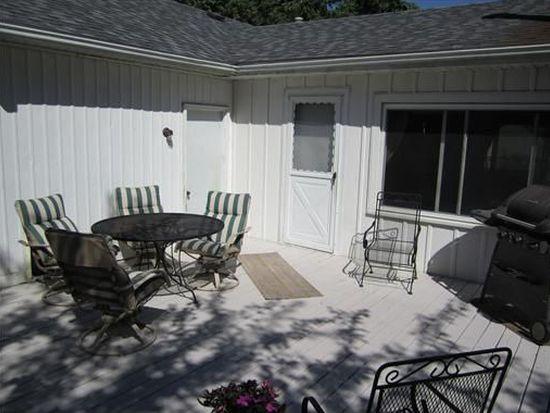 3727 N Pine Dr NE, Cedar Rapids, IA 52402