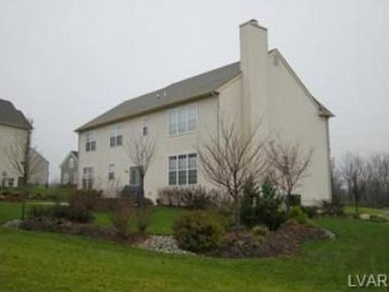 5060 Curly Horse Dr, Center Valley, PA 18034
