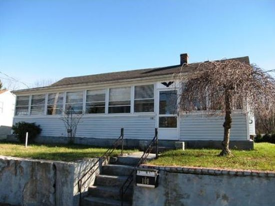 108 South St, Walpole, MA 02081