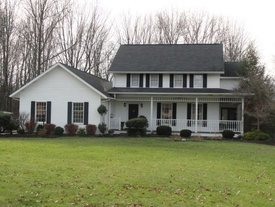 274 Butterfly Ln, Hermitage, PA 16148