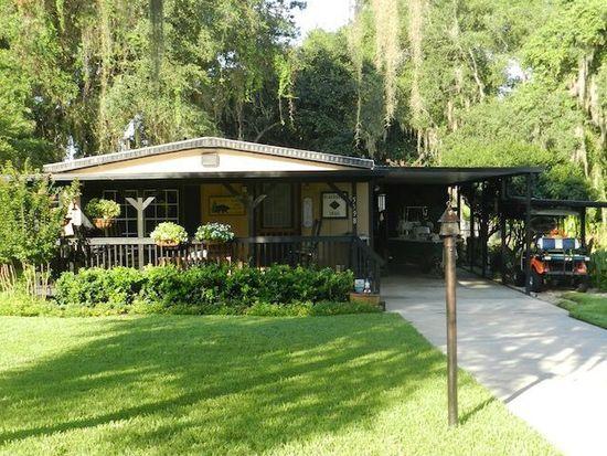 5598 Hancock Dr, Wildwood, FL 34785
