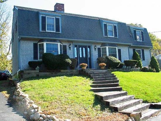 272 Thicket St, Weymouth, MA 02190