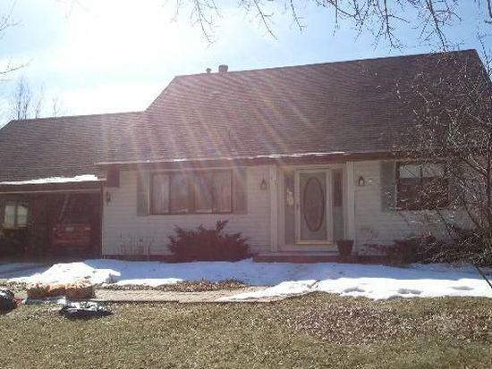 715 Windsor Dr, Crystal Lake, IL 60014