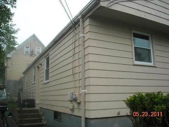 3 Lynch St, Providence, RI 02909