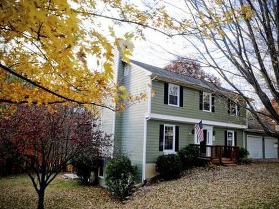 8010 Forest Edge Dr, Roanoke, VA 24018