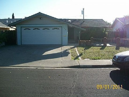113 Donner Dr, Vacaville, CA 95687