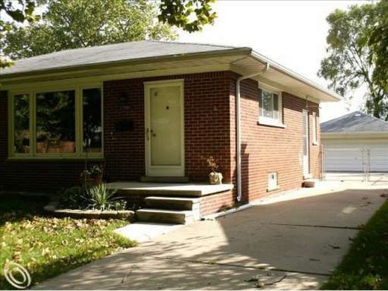 27081 Clairview Dr, Dearborn Heights, MI 48127