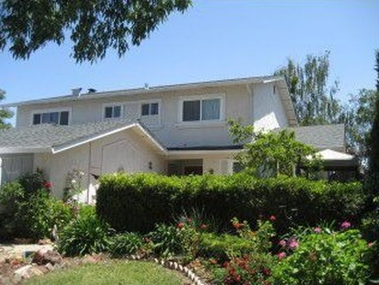 7300 Orchard Dr, Gilroy, CA 95020