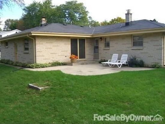 8129 W Whitaker Ave, Greenfield, WI 53220