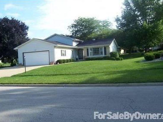 513 Kensington Dr, Mchenry, IL 60050