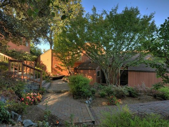 27601 Via Cerro Gordo, Los Altos Hills, CA 94022