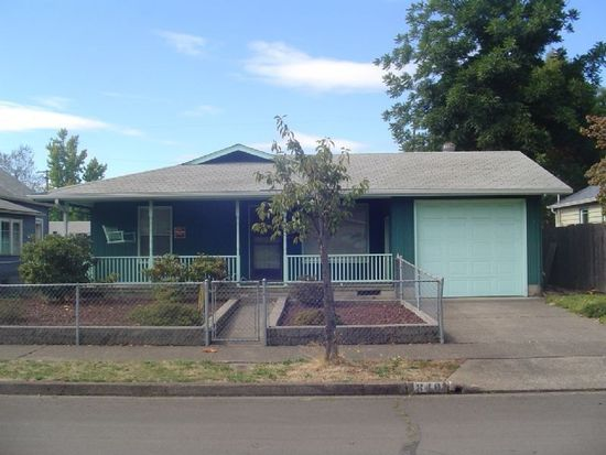840 4th St, Springfield, OR 97477