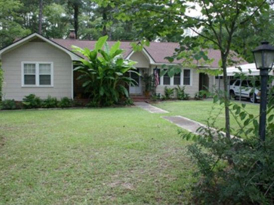1216 9th St SW, Moultrie, GA 31768
