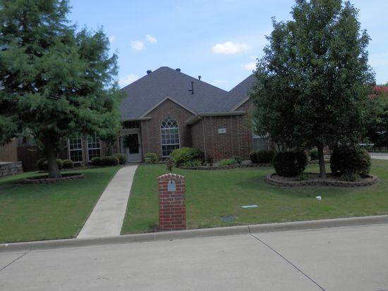 710 Saint Robby Dr, Mansfield, TX 76063