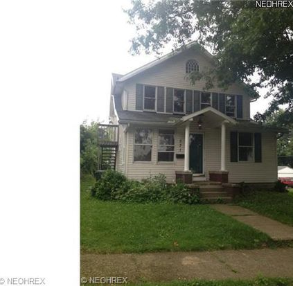571 Parkview Ave, Barberton, OH 44203