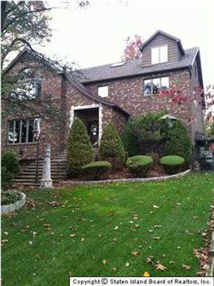 39 Manor Ct, Staten Island, NY 10306