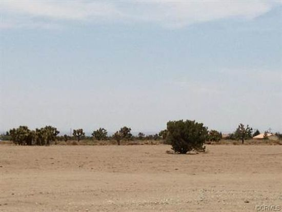 9484 Yucca Terrace Dr, Phelan, CA 92371