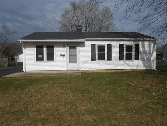 1342 Raybell Dr, Xenia, OH 45385