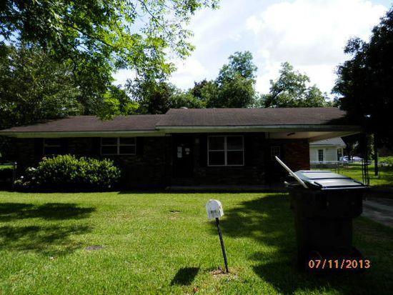 302 Kirkland Ave, Glennville, GA 30427