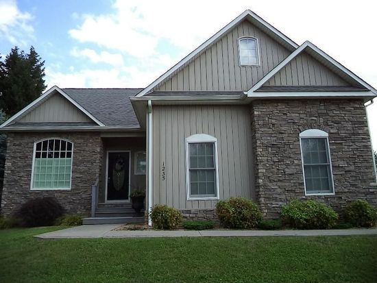 1235 Mountain View Rd, Vinton, VA 24179
