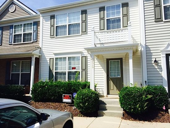 8515 Silhouette Pl, Raleigh, NC 27613