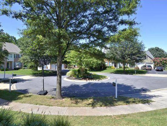 1516 Defoe St, Rockville, MD 20850