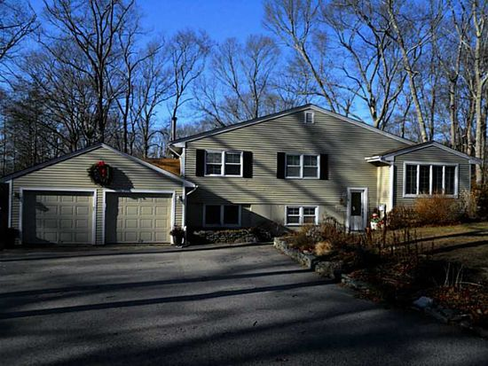 6 Beech Hill Rd, South Kingstown, RI 02879