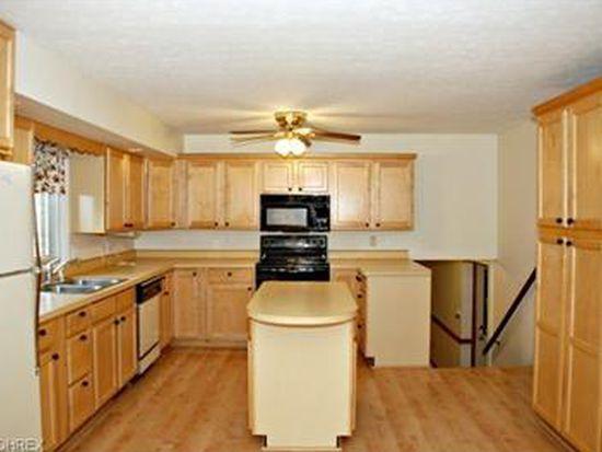 2694 Pine Lake Trl, Uniontown, OH 44685