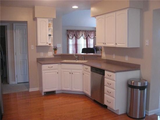 164 Harvest Run Rd N, State College, PA 16801