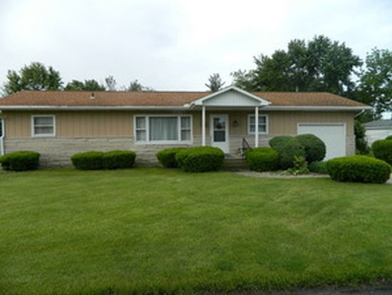 1186 Roselawn Dr, Paxton, IL 60957
