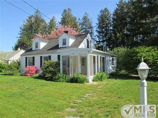 333 Boxberry Hill Rd, Hatchville, MA 02536