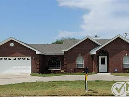 1010 W Belknap St, Jacksboro, TX 76458