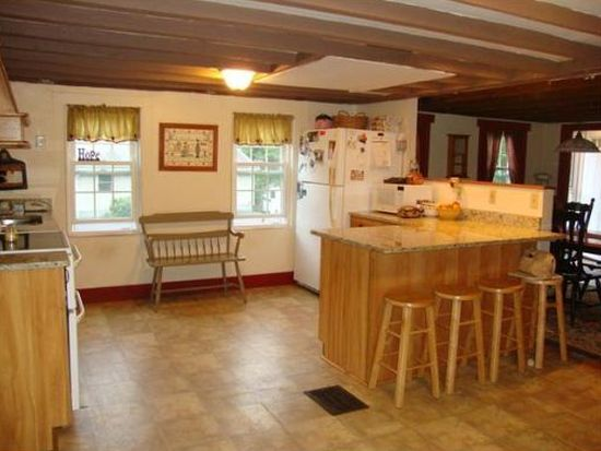 388 Westminster Hill Rd, Fitchburg, MA 01420