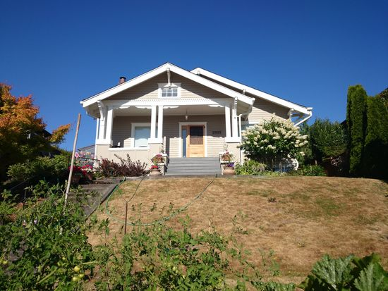 3717 Belvidere Ave SW, Seattle, WA 98126