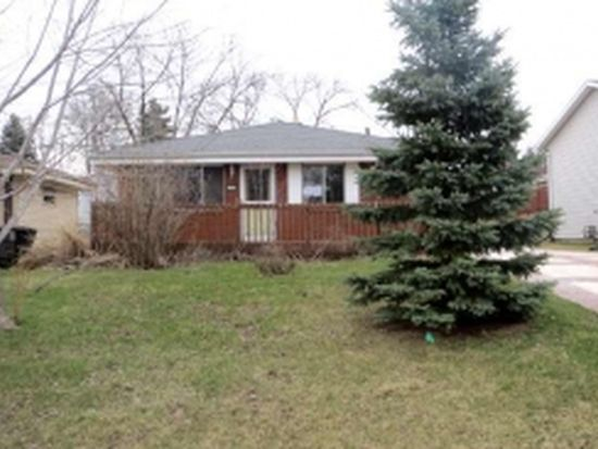 4234 S 92nd St, Greenfield, WI 53228