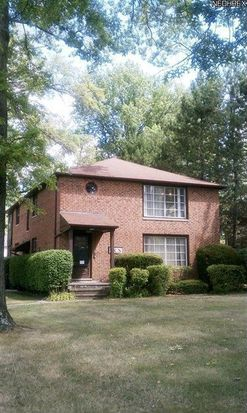 5567 Mayfield Rd, Mayfield Hts, OH 44124