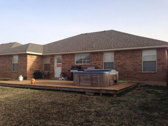 317 SW 40th St, Moore, OK 73160