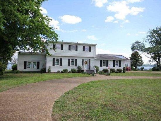 1411 Laurens Rd, Gloucester Point, VA 23062