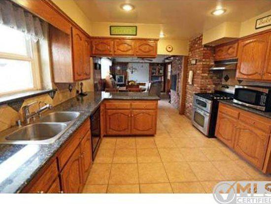 9716 Swinton Ave, North Hills, CA 91343