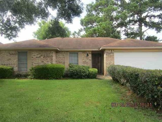 5645 Springdale Ln, Beaumont, TX 77708
