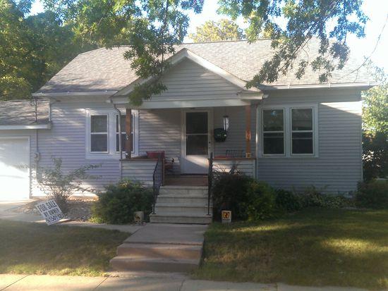 603 W 3rd St, Cedar Falls, IA 50613