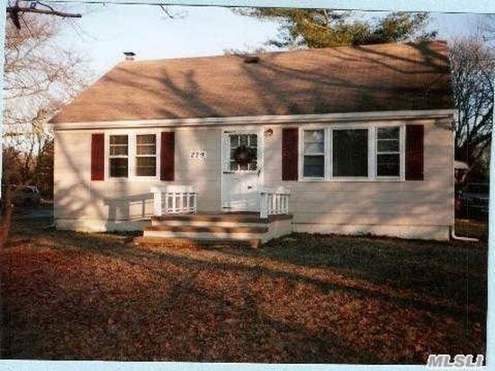 229 Barnes Rd, Moriches, NY 11955