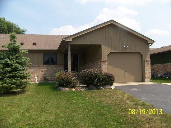 1632 Poplar Ln, Woodstock, IL 60098