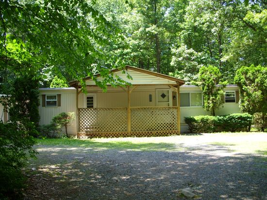 128 Benfield Rd, Macungie, PA 18062